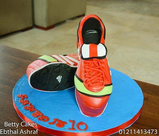 Football shoes cake