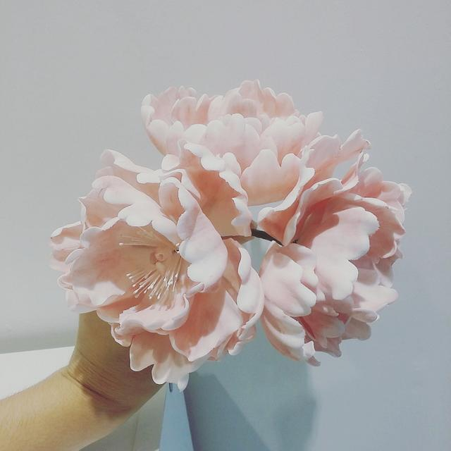 Ombre pink buttercream wedding cake