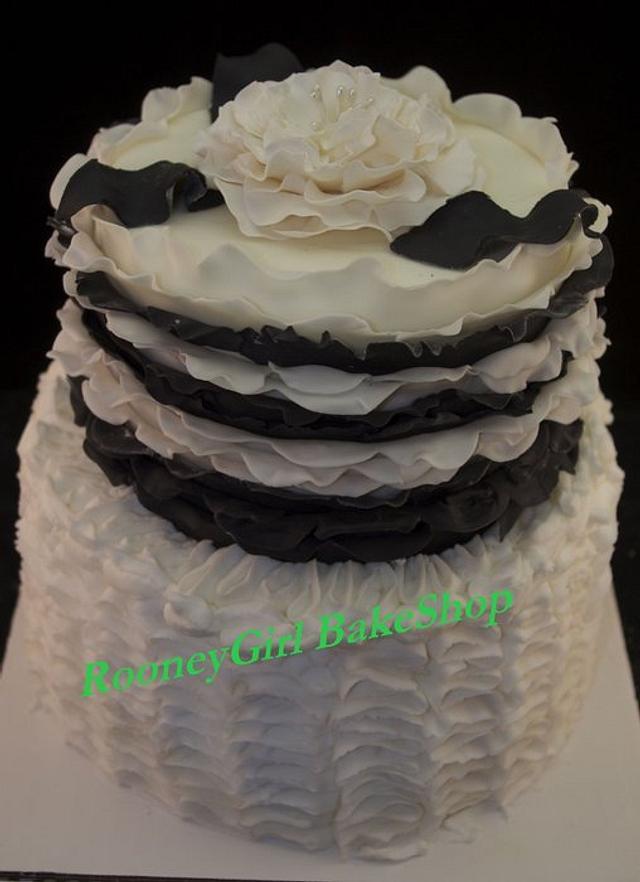 Black & White Ruffle Cake