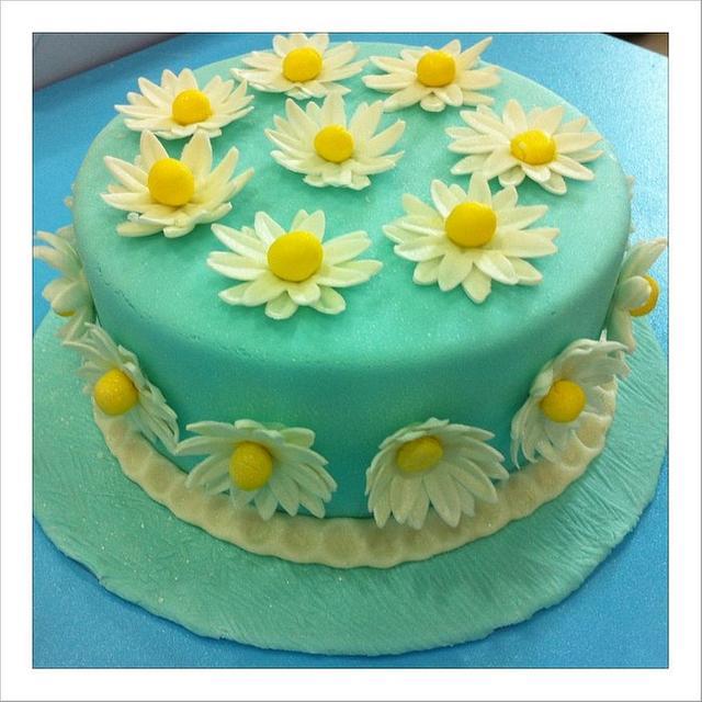 My Baby Blue Daisy Cake