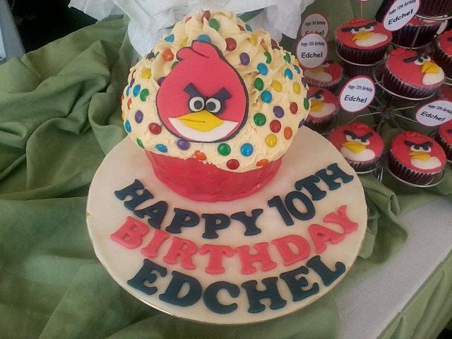 Angry Bird Cake ^_^