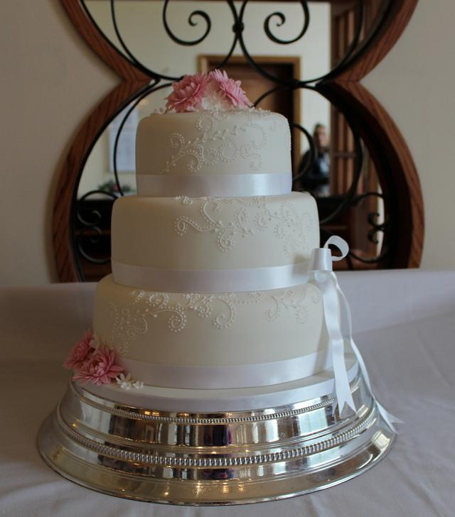 Pink Gerberas wedding cake
