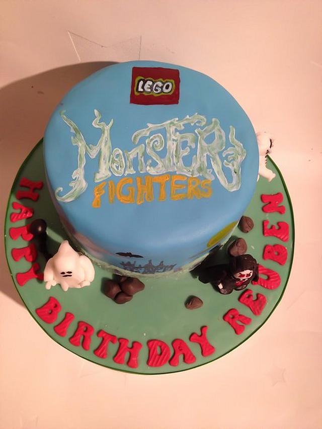 Monster fighters cake
