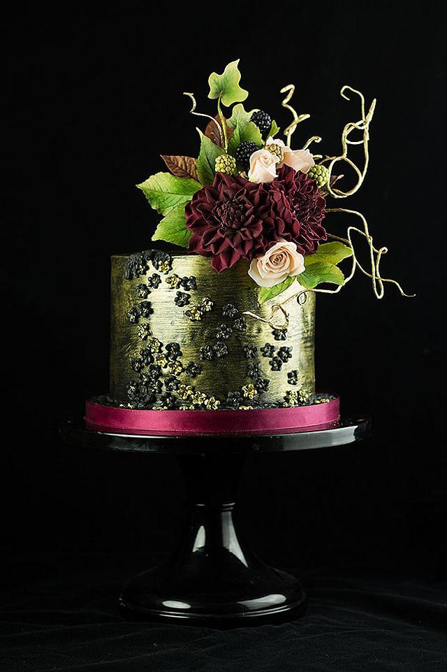 Dramatic Dahlia cake
