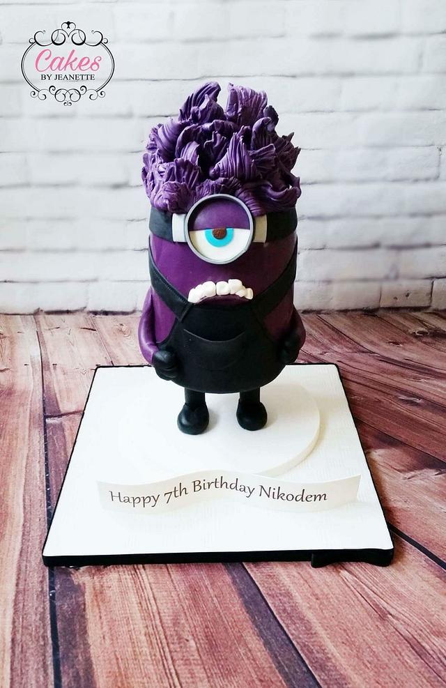 Gravity Minion Cake