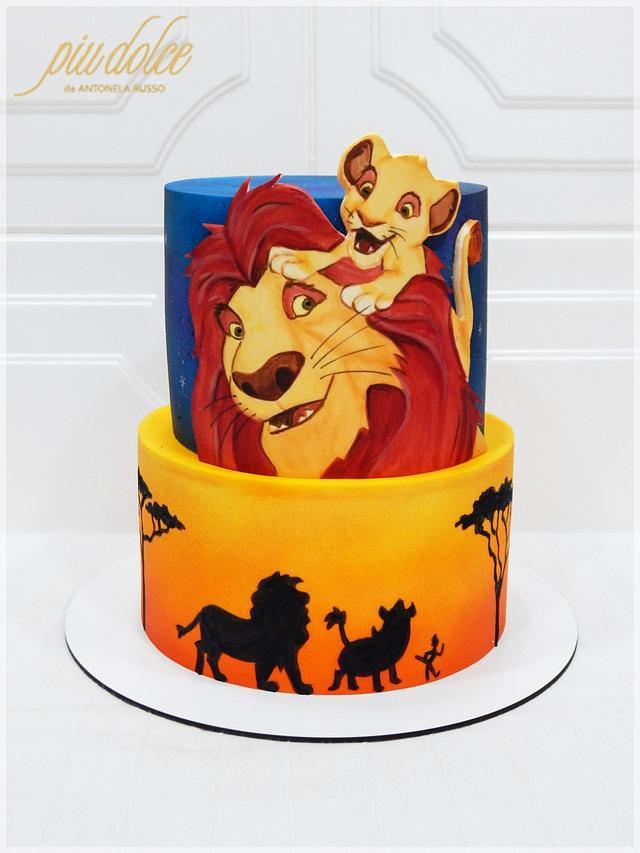 Painting Lion King cake