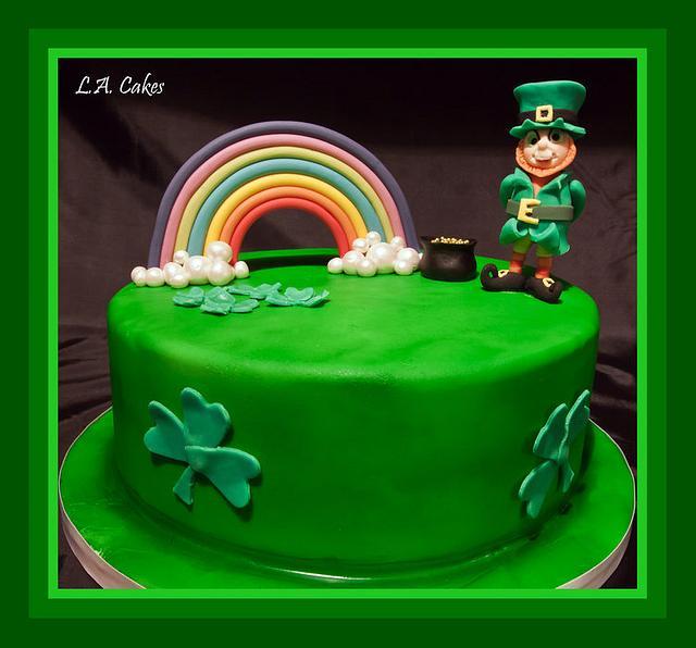 Cool Michaels Irish Birthday Cake By Laura Young Cakesdecor Personalised Birthday Cards Veneteletsinfo