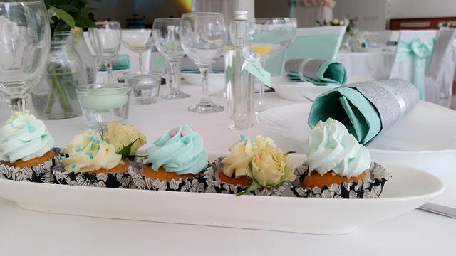 Wedding cake with candy-bar