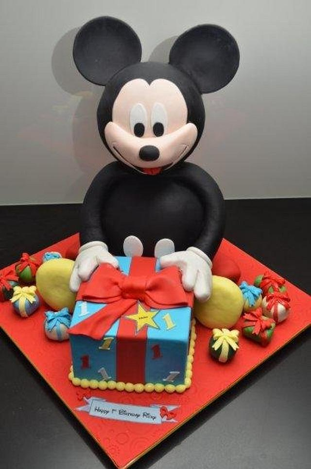 Prime 1St Birthday Mickey Mouse Cake Cake By Five Starr Cakes Cakesdecor Personalised Birthday Cards Veneteletsinfo