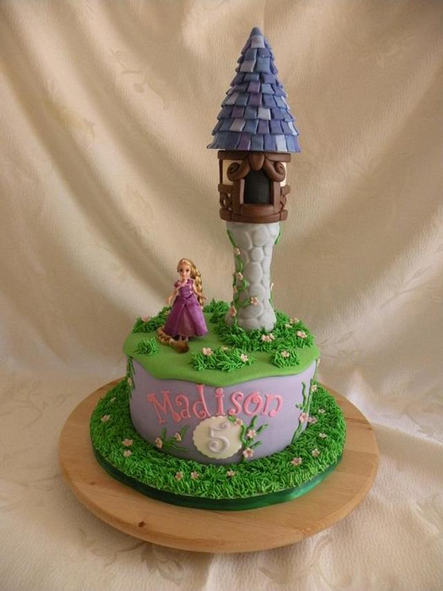 Tangled tower and cupcakes