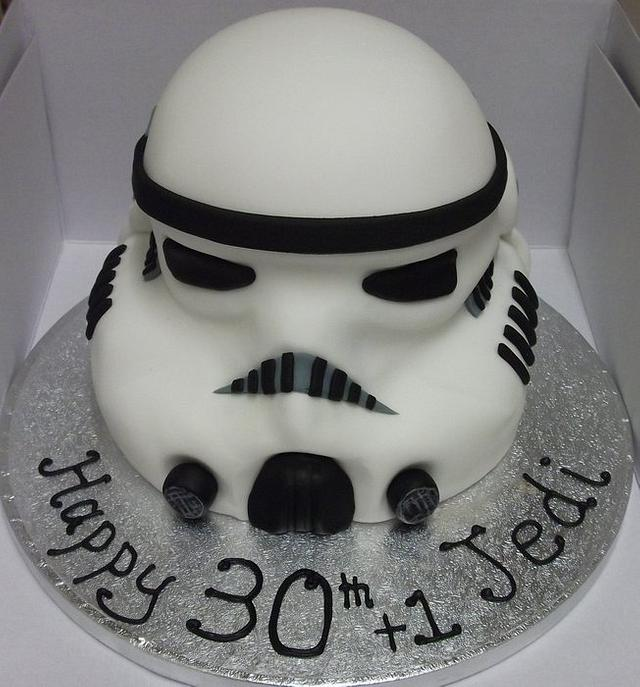 Stormtrooper with matching Cupcakes