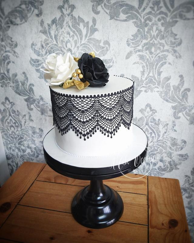 Black and white rose cake