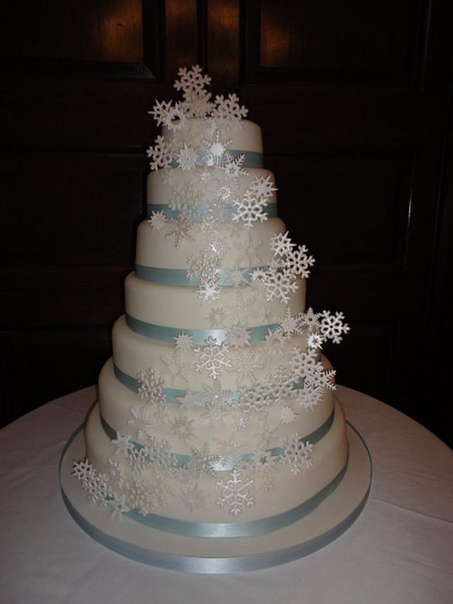 7 tier winter wonderland snowflake wedding cake