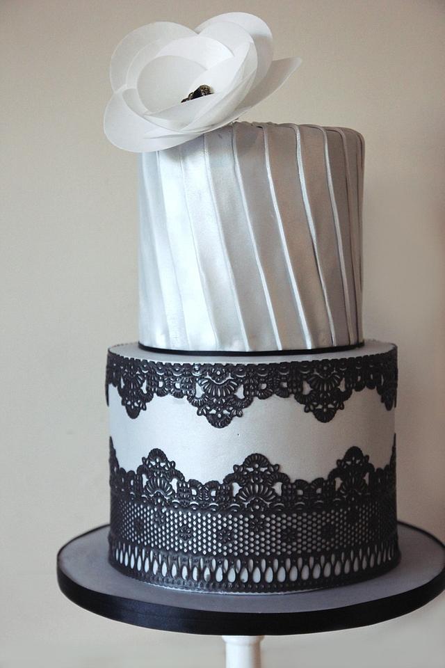 1920's inspired wedding cake