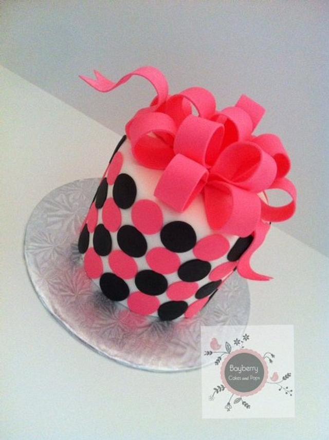 Simple polka dots & bow