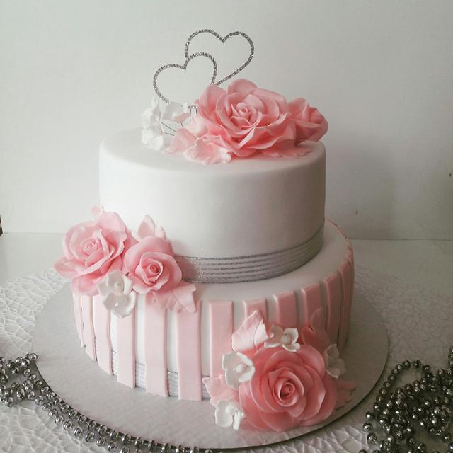 Romantic wedding cake
