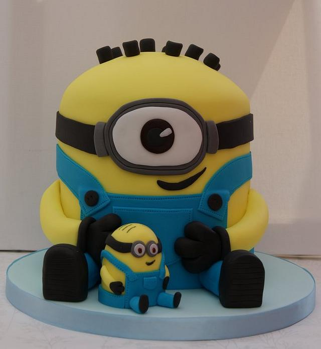 Minion Cake (Despicable Me)
