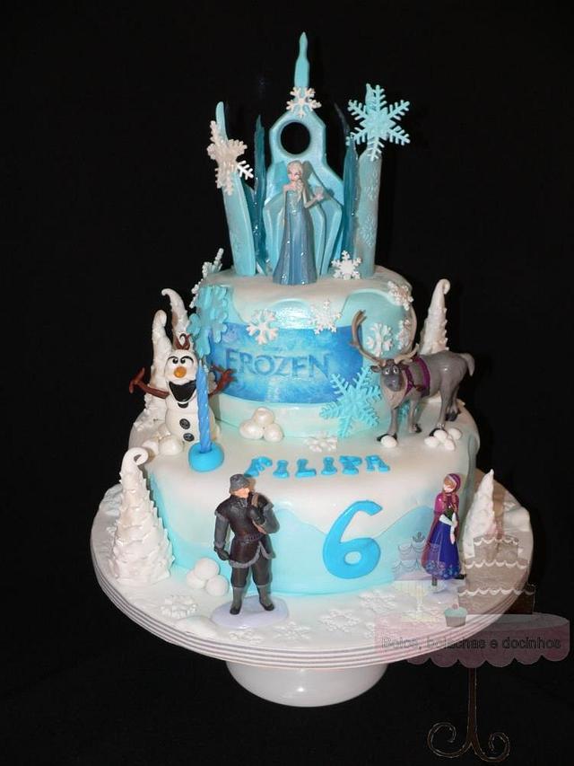 Frozen cake and cookies