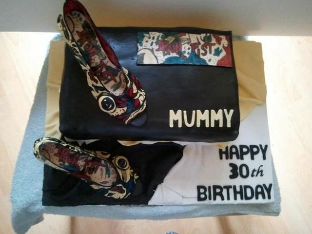 Shoe and shoe box cake