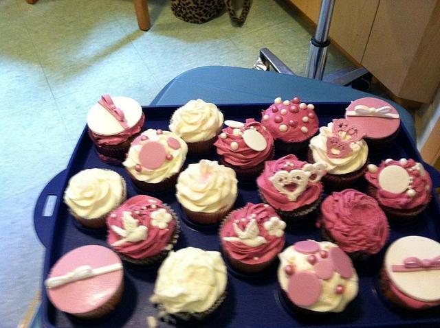"""It's Done!"" Celebration Cupcakes"