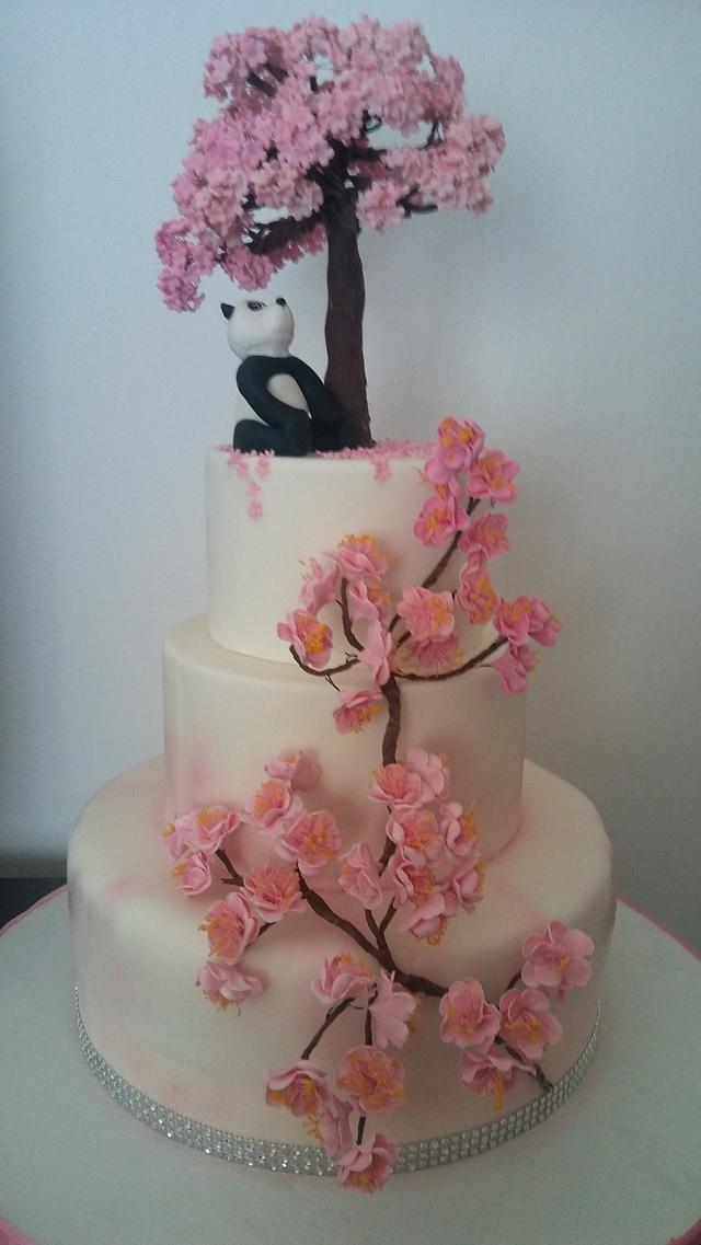 Torta fiori di pesco con panda