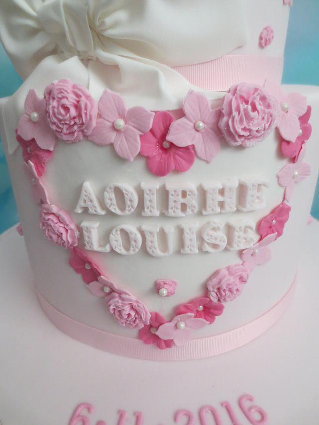 Aoibhe-Louise's pretty Christening cake