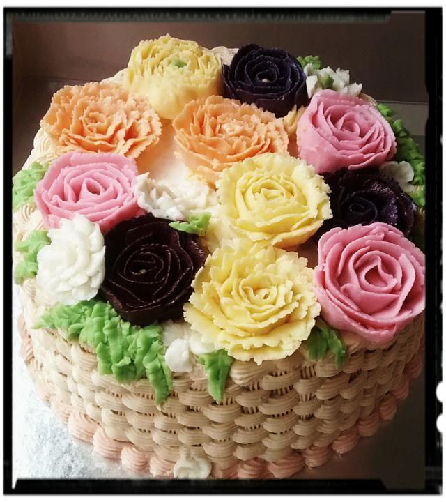 Buttercream basketweave cake