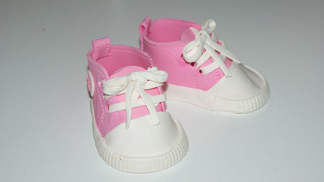 Gumpaste Baby Converse