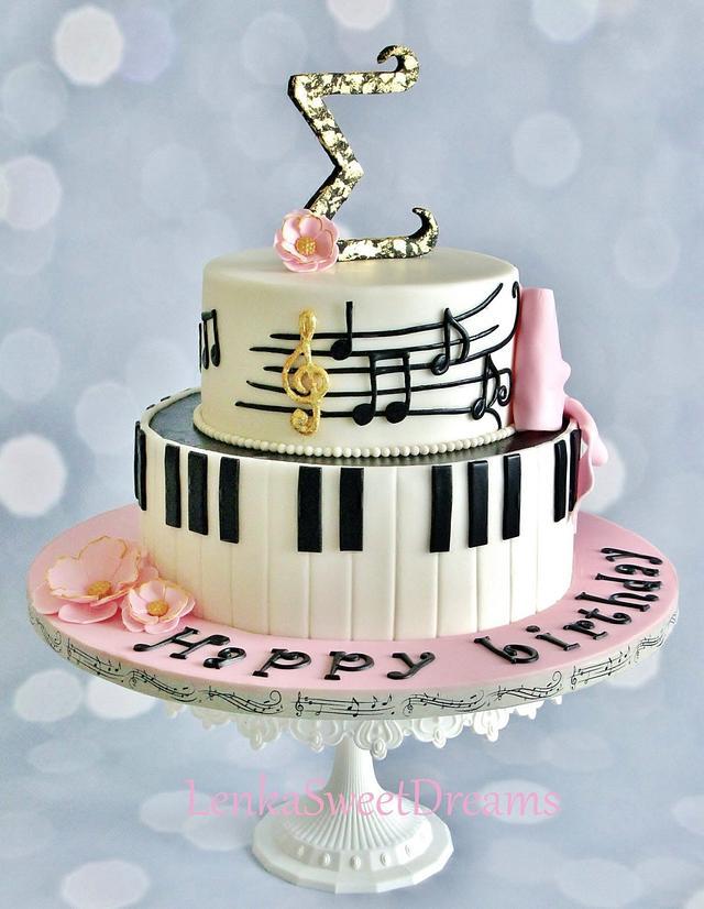 Piano music cake.