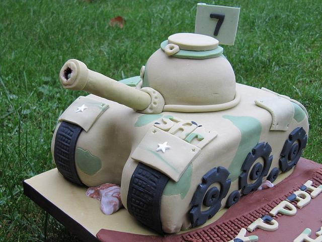 An Army Tank Cake
