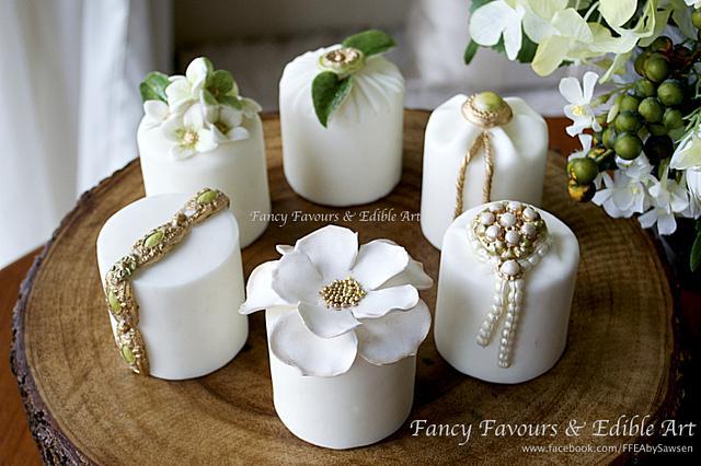 Green, gold & white mini cakes