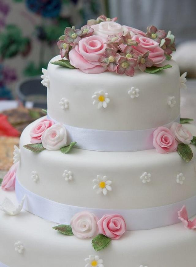 Woodland theme wedding cake