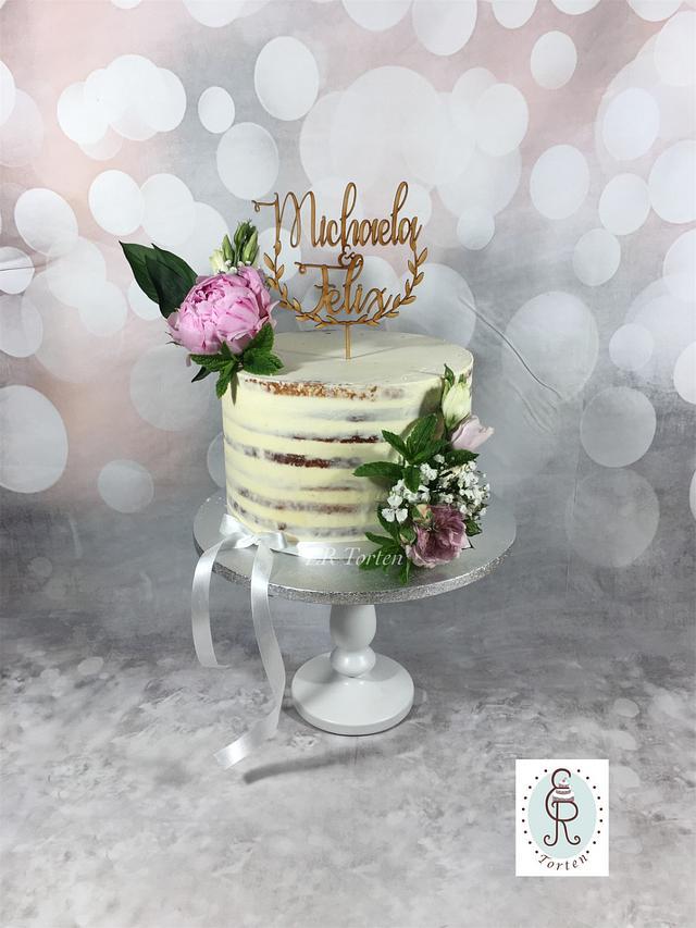 Simple semi naked Weddingcake