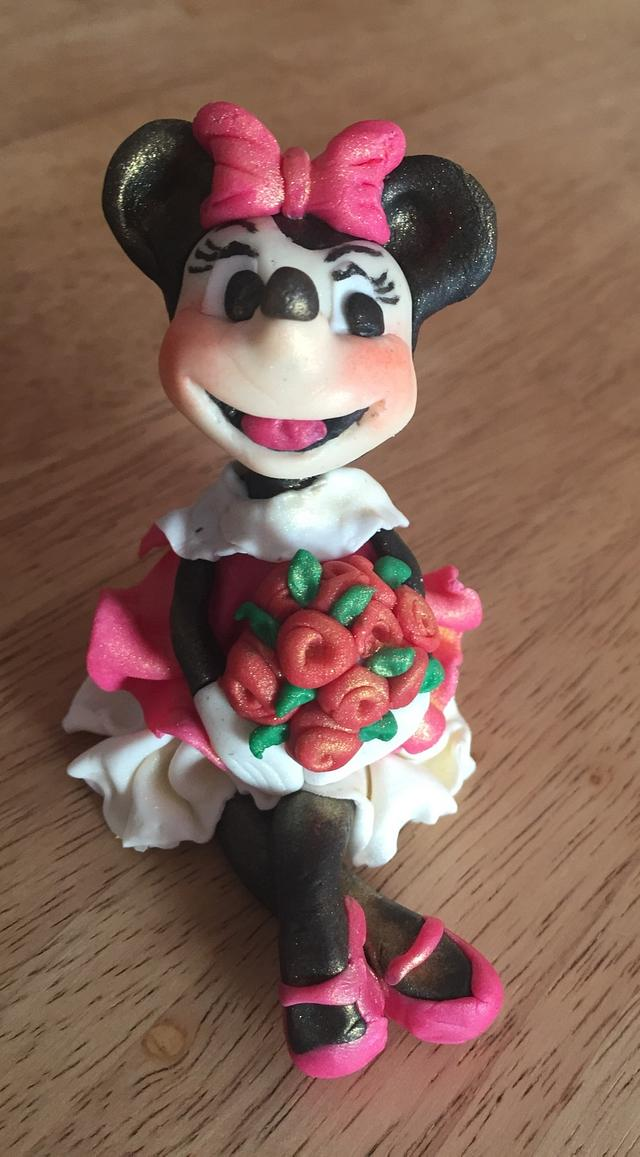 Minnie with roses 🌹
