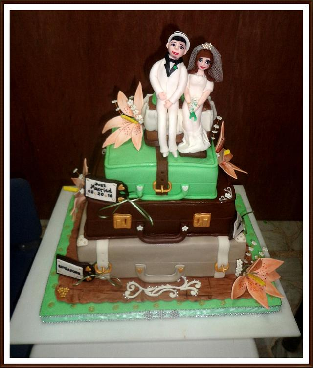 Vintage and Travel Themed Wedding Cake