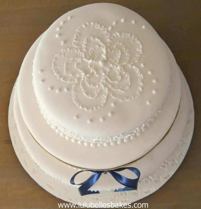 Brushed embroidery cake