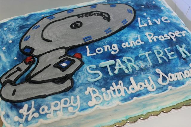 Star Trek cake in buttercream