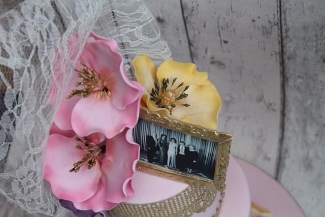 Pink, girly, flowers and lace xx