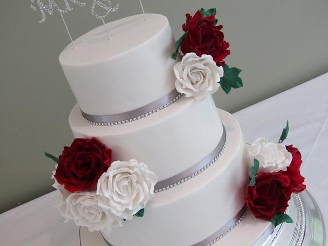 White & Red roses wedding cake