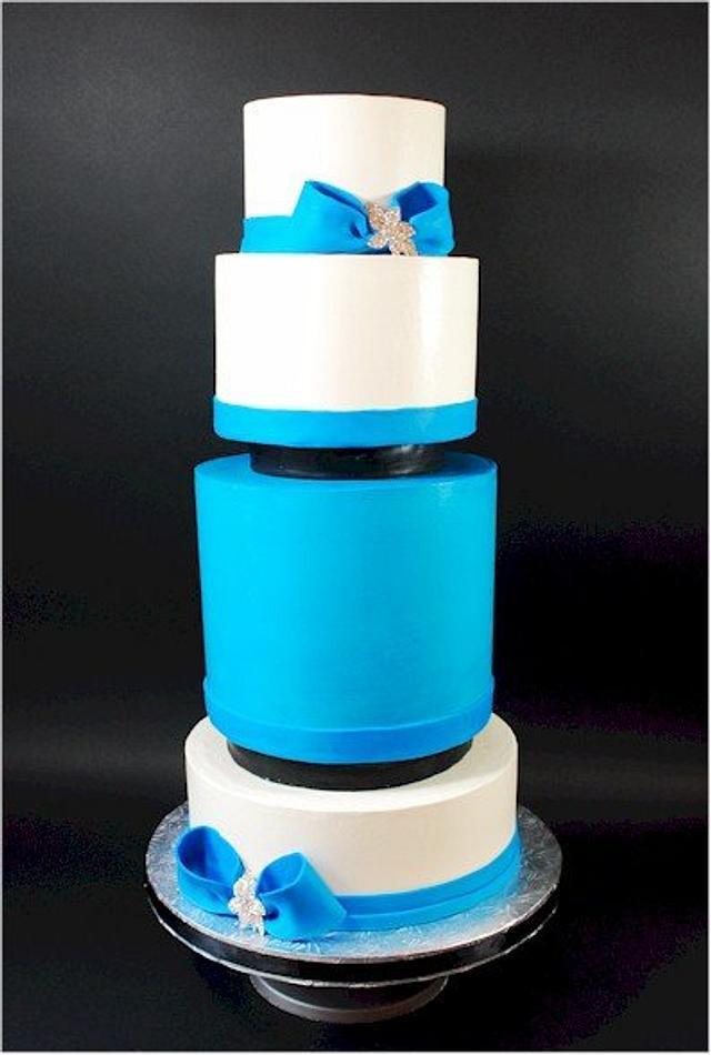 Little Black Separator Wedding Cake