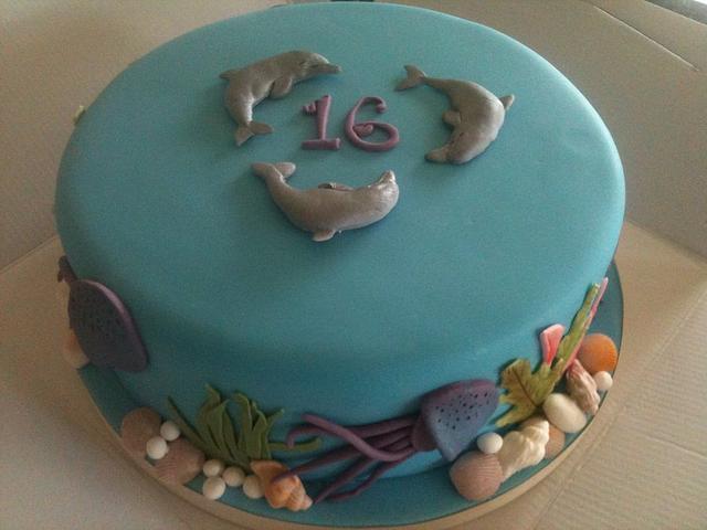 Jelly fish & dolphin cake