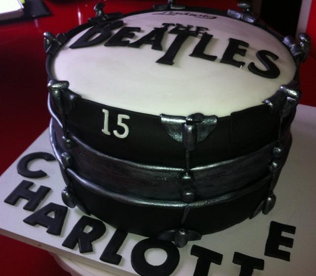 Beatles drum cake :0)