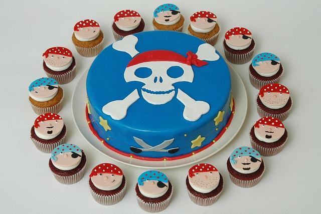 Pirates Birthday Cake and Cupcakes