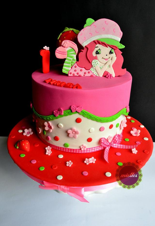 Awesome Strawberry Shortcake First Birthday Cake By Miettes Cakesdecor Personalised Birthday Cards Cominlily Jamesorg