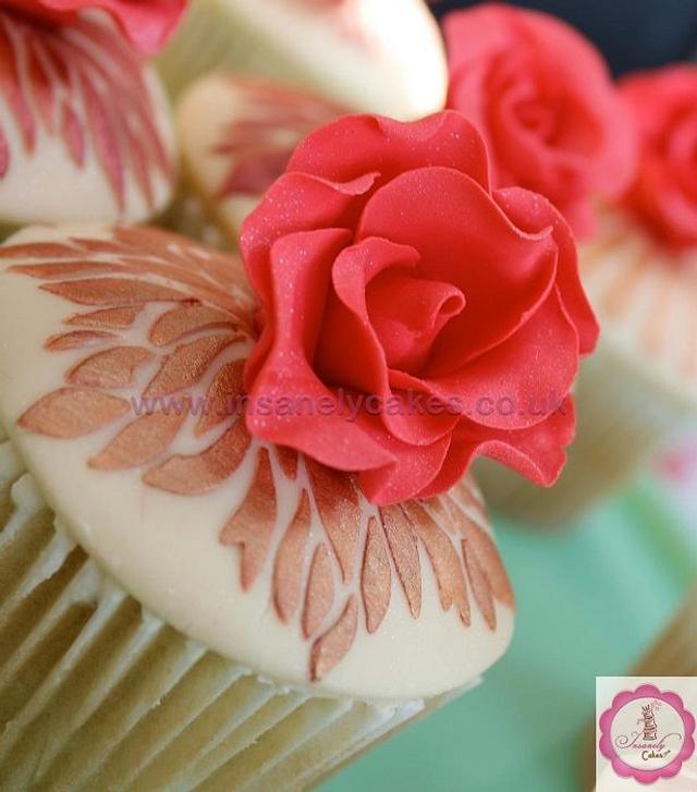 Vintage Red Rose Celebration Cupcakes