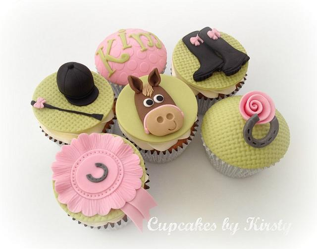 Horsey themed cupcakes