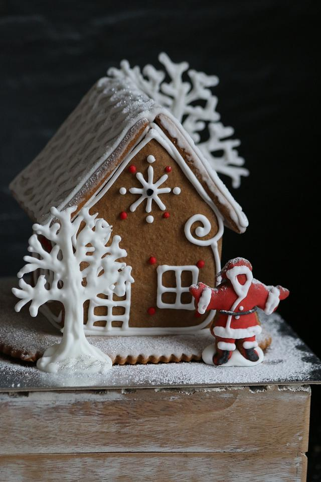 Small gingerbread houses
