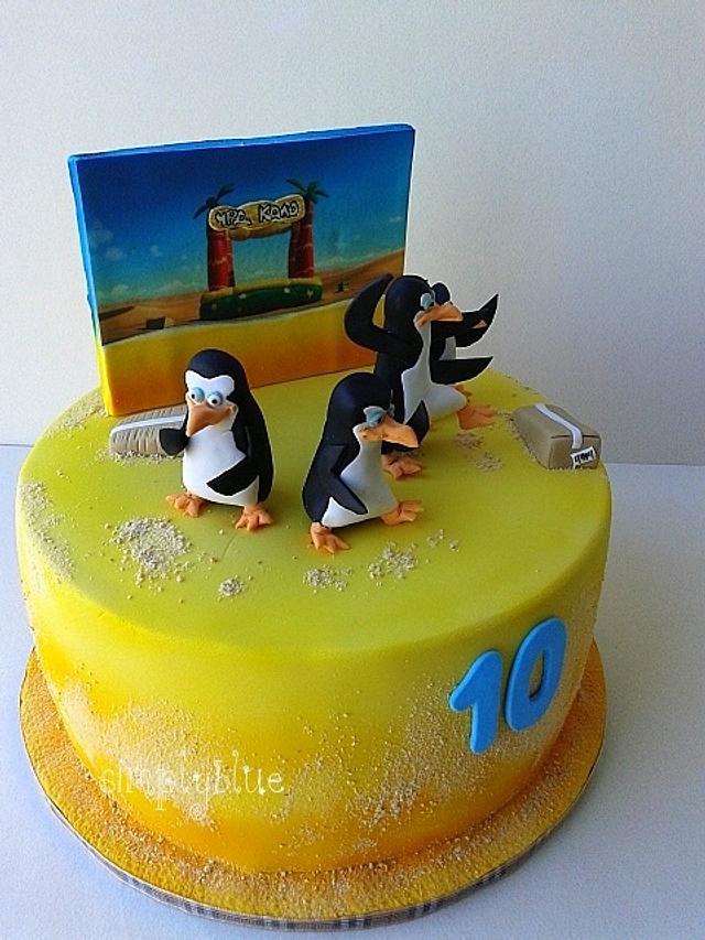 Penguins of Madagascar cake