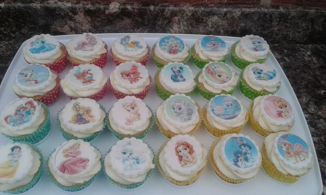 Disney Palace pets - 'Dreamy Kitty' and cupcakes