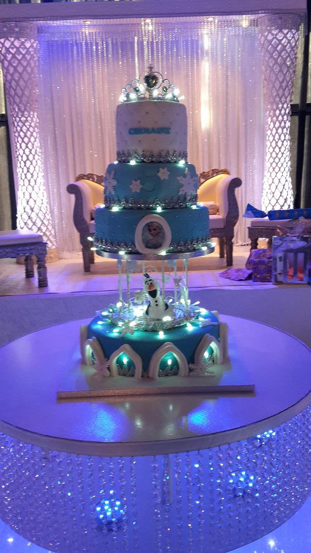 Frozen light cake